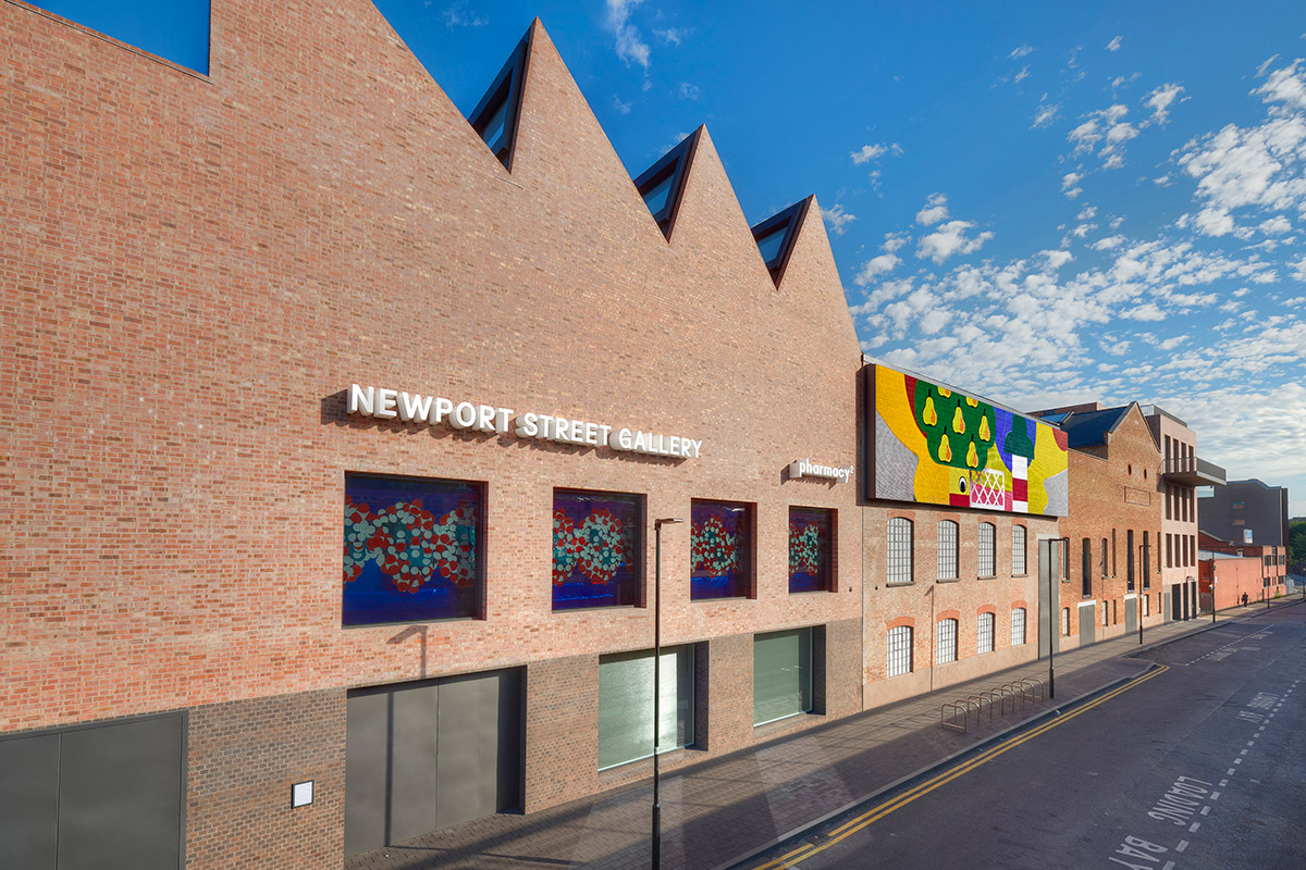 Lime Green's Lime Mortar was used on the outside of the Newport St Gallery